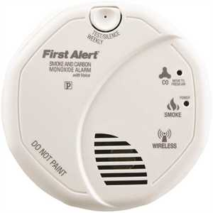 First Alert SCO500B Wireless Inter-Connectable Battery Operated Combination Smoke and CO Detector with Voice Alert