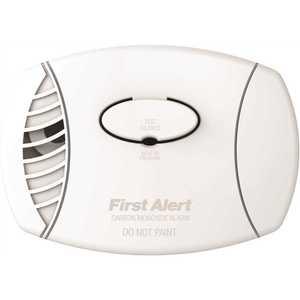 First Alert CO605B BRK Plug-In Carbon Monoxide Detector with Battery Backup